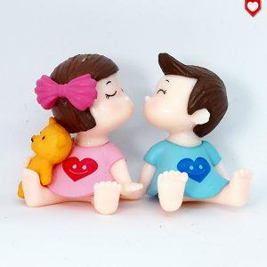 Kinder Paar Nachthemd Kuss Romantische Figuren