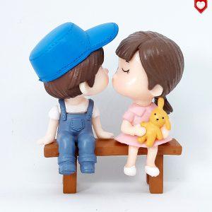 Kinder Paar Bank Romantische Figuren