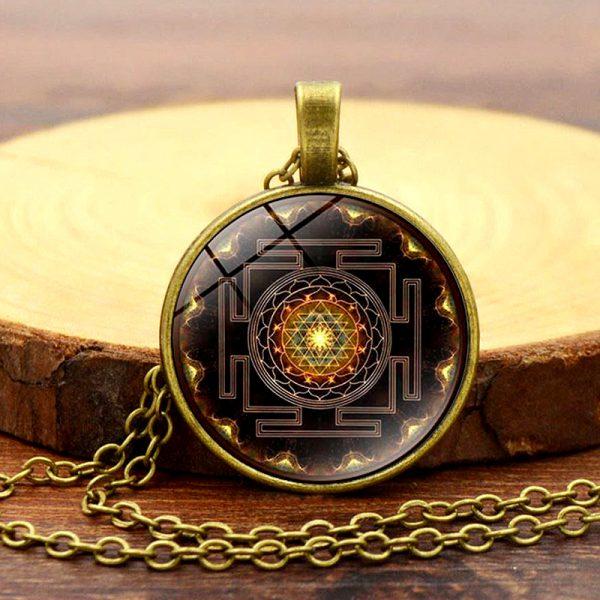 Heilige Sri Yantra Halskette bronze 03