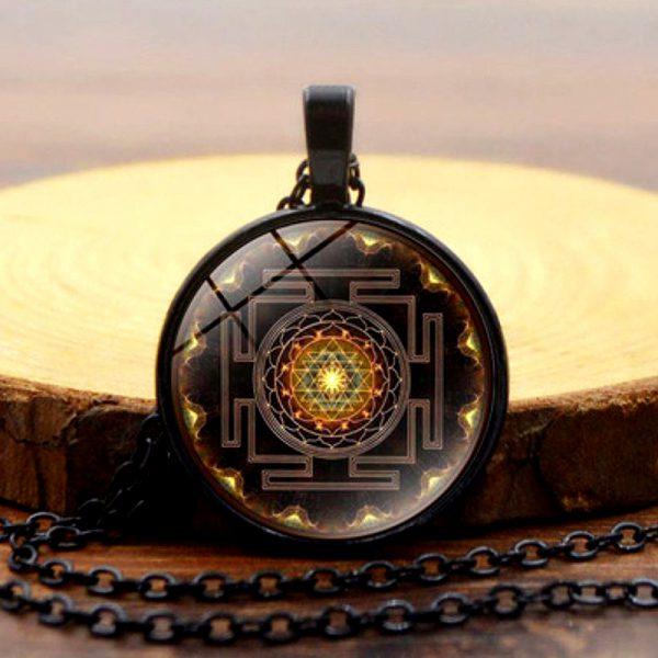 Heilige Sri Yantra Halskette schwarz 03